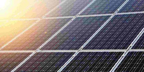 """Energia elettrica """"green"""", in Italia il 20% arriva dal fotovoltaico e cresce l'autoconsumo"""