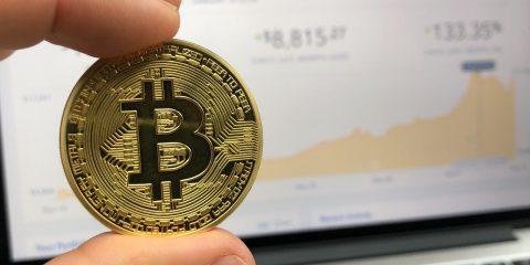 """Yellen contro il bitcoin, che perde il 17%: """"Instabile e spesso impiegato in attività illegali"""""""