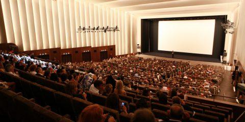 Cinema, incassi in crescita ma i film italiani perdono ancora quota