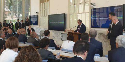 """Digital economy, Giovanni Tria: """"Fuga di cervelli ci costa 14 miliardi l'anno, l'1% del PIL"""""""