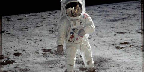 """In attesa del """"Moon Day"""" sulle reti Rai, ecco i 10 migliori film sulla Luna"""