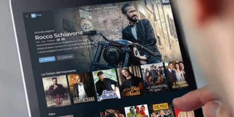 RaiPlay imita Netflix. In autunno contenuti originali solo per il web