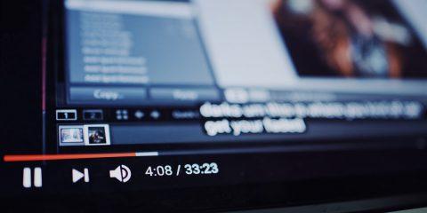Dalla musica al video, le sfide di YouTube e Spotify