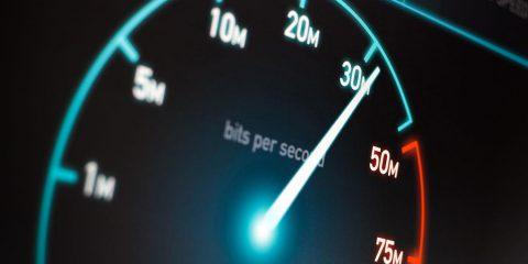 """Agcom: """"Cambiare la bolletta telefonica. Aggiungere l'importo del modem e il servizio per lo speed test"""""""