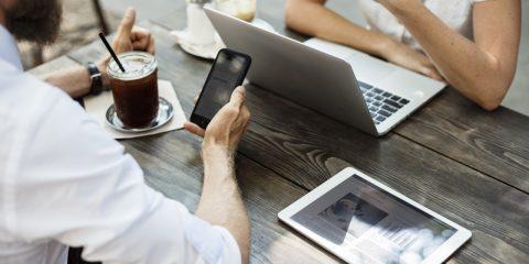 Come usare lo smartphone per riprendersi dalle vacanze