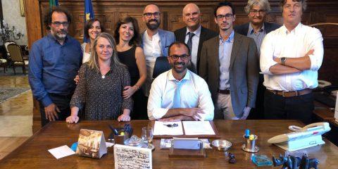 """Impronte digitali, il ministro Fioramonti: """"Escluderemo i presidi"""""""