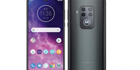 Motorola One Zoom: smartphone di fascia medio-alta con 4 fotocamere