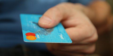 Card unica per evitare contante? Incontro Conte-Del Fante per valutare la fattibilità