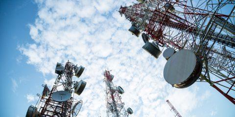 Cellnex si espande in Portogallo e rileva le torri di Omtel per 800 milioni