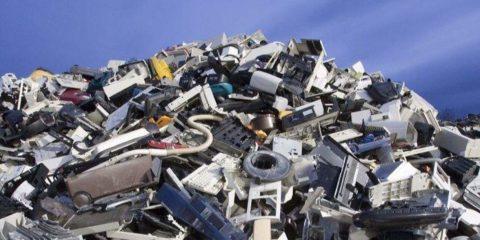 Elettrodomestici, torniamo a ripararli: l'Ue taglierà 46 milioni di tonnellate di CO2 entro il 2030