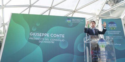 Conte: 'In arrivo il green new deal con l'idrogeno primo pilastro. Le aziende sostenibili aumentano il business'