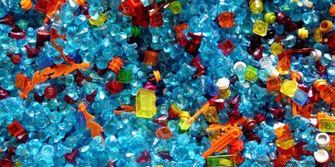 Guerra alla plastica, e se riciclare costasse di più?