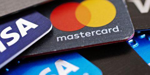Libra, dietrofront di Mastercard e Visa. In bilico il  progetto di Facebook