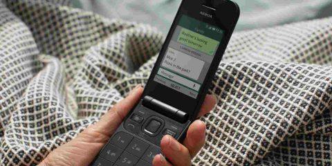 Nokia 2720: cellulare a conchiglia con WhatsApp, Facebook, 4G e Wifi a meno di 100€