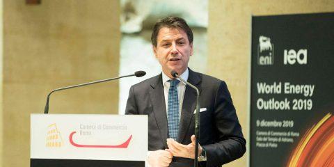 """Green new deal, Giuseppe Conte: """"59 miliardi di euro in 15 anni per clima ed energia"""""""