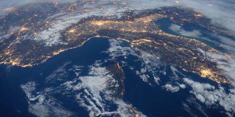 Il futuro dell'economia tra IoT, Criptovalute e Intelligenza Artificiale