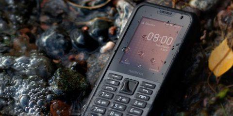 Nokia 800 Tough, telefonino indistruttibile con funzioni smart