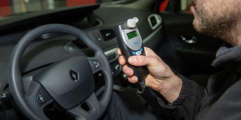 Dispositivo anti-alcol, se sei ubriaco l'auto non parte
