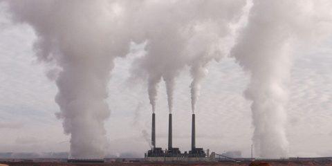 CO2: spesi nel mondo 380 miliardi per ridurre emissioni, ma continueranno a crescere. A rischio gli obiettivi del 2050