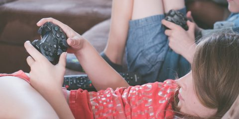 Social e videogames, gli strumenti digitali possono creare dipendenza?