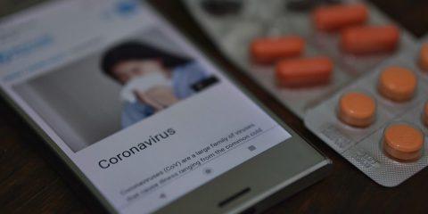Coronavirus, assicurazioni cinesi usano la blockchain per i risarcimenti. I casi Ant Financial e Blue Cross