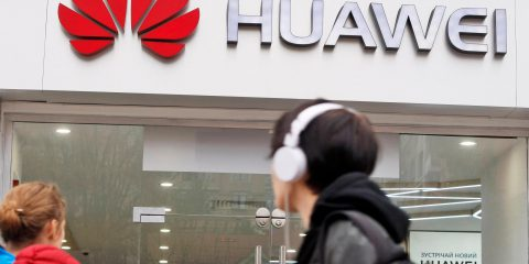 5G, conto salato per il bando di Huawei in Uk: 'Ritardo reti di 3 anni e 7 miliardi di extra costi'