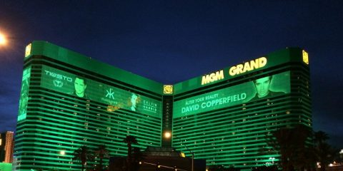 Resort MGM, rubati 10,6 milioni di dati di clienti. Coinvolti il Ceo di Twitter e Justin Bieber