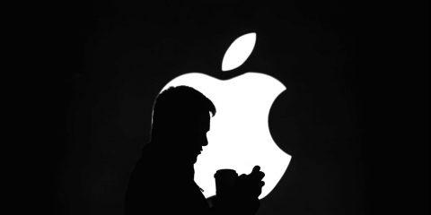 Coronavirus, Apple abbassa le stime sulla produzione di iPhone. A rischio l'SE 2?