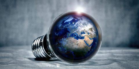 Bollette luce e gas e cambio fornitore: perché è il momento giusto per cambiare