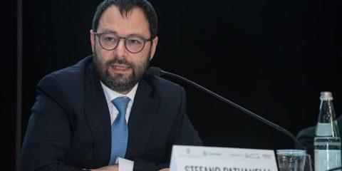 """Coronavirus, si accorciano le supply chain globali. Patuanelli: """"L'Italia rilancia industria 4.0 e mobilità pulita"""""""