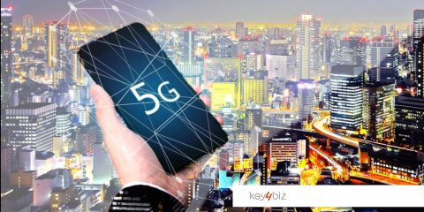 Smartphone 5G traino del mercato, nel 2024 prezzo medio sotto i 500 euro