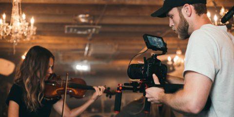 Bando dalla parola allo schermo per progetti di sceneggiature di opere cinematografiche e audiovisive