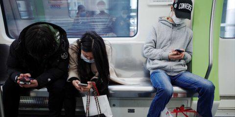 Come garantire il rispetto del distanziamento sociale sui mezzi pubblici?