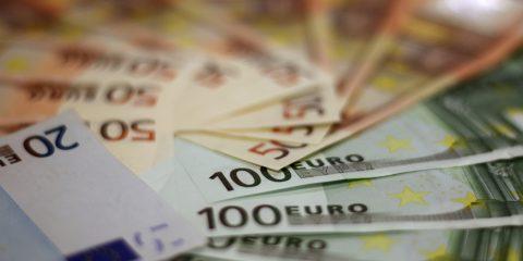 Siti di prestiti online: irregolarità nel 37% dei casi secondo indagine UE