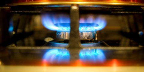 Bollette luce e gas: sospensione o riduzione? La proposta UNC