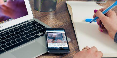 Offerte web per luce e gas. Costi e risparmi delle tariffe attivabili online