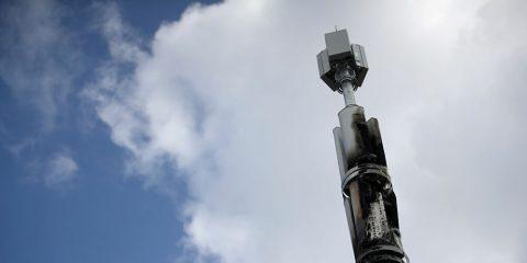Covid-19 e 5G, finora sono 77 le antenne danneggiate nel Regno Unito