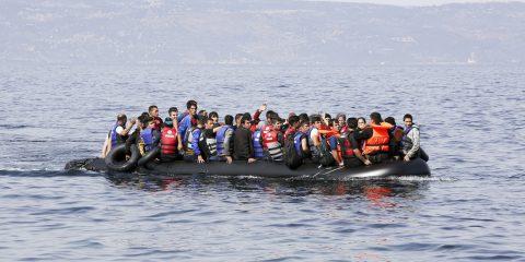 Satelliti e Intelligenza Artificiale per impedire l'immigrazione clandestina e  la pesca eccessiva
