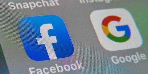 Google e Facebook nel mirino delle autorità regolatorie britanniche, nel 2021 più tutele per i dati dei consumatori