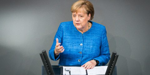 La Merkel vuole che l'Ue sanzioni la Russia per l'attacco hacker al Bundestag del 2015