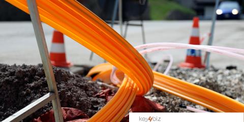 Orange, titolo in picchiata. In vendita la sua rete in fibra nelle zone rurali