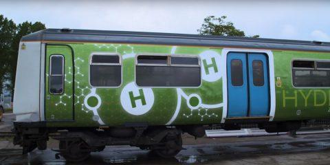 Idrogeno per treni e aerei, partiti i primi test in Gran Bretagna. La sfida è come ottenerlo in maniera pulita