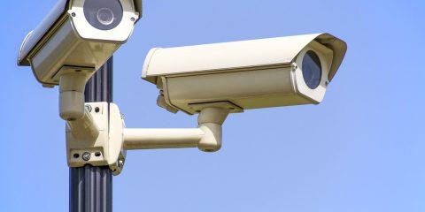 Perché è illegittima la videosorveglianza privata su strada aperta al pubblico