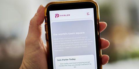 Il social network sovranista Parler è offline