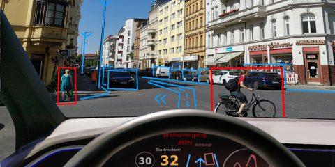 """IA e guida autonoma, l'Ue: """"Troppi rischi informatici, serve più sicurezza"""". Il report"""
