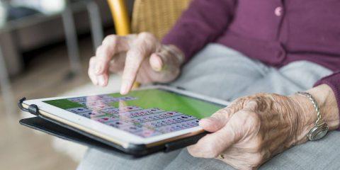 Residence smart per anziani a Modena, grazie alla rete IoT Lepida