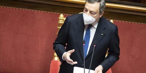 """Draghi: """"Green pass in 3 mesi, ma con tutela dati e senza discriminazioni. E web tax da metà 2021"""""""