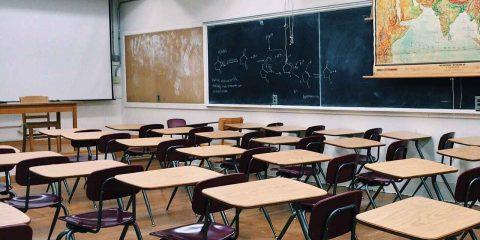Piazza contro la dad. Scuola posto più sicuro, secondo nuovo studio: tasso positività studenti sotto all'1%