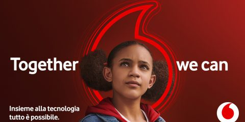 Vodafone riposiziona il brand con il nuovo claim 'Together We Can'