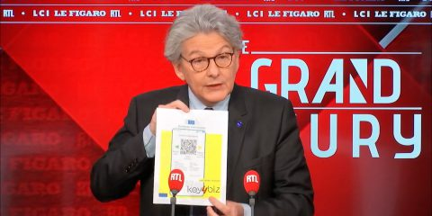 Breton spera nel green pass dal 15 giugno. Cosa prevede il Regolamento Ue? Per viaggiare test per i bimbi